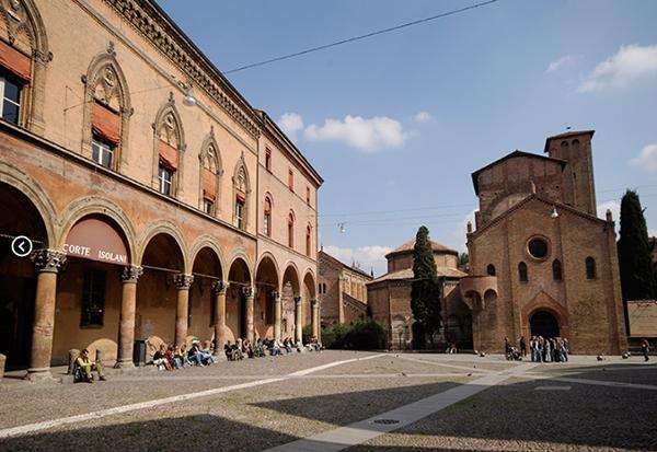 bologna capodanno piazza