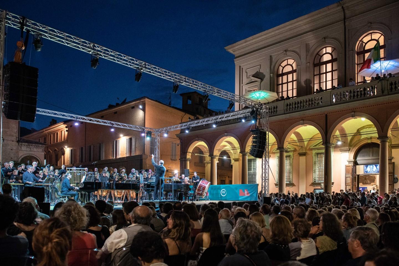 Concerto capodanno a bologna piazza